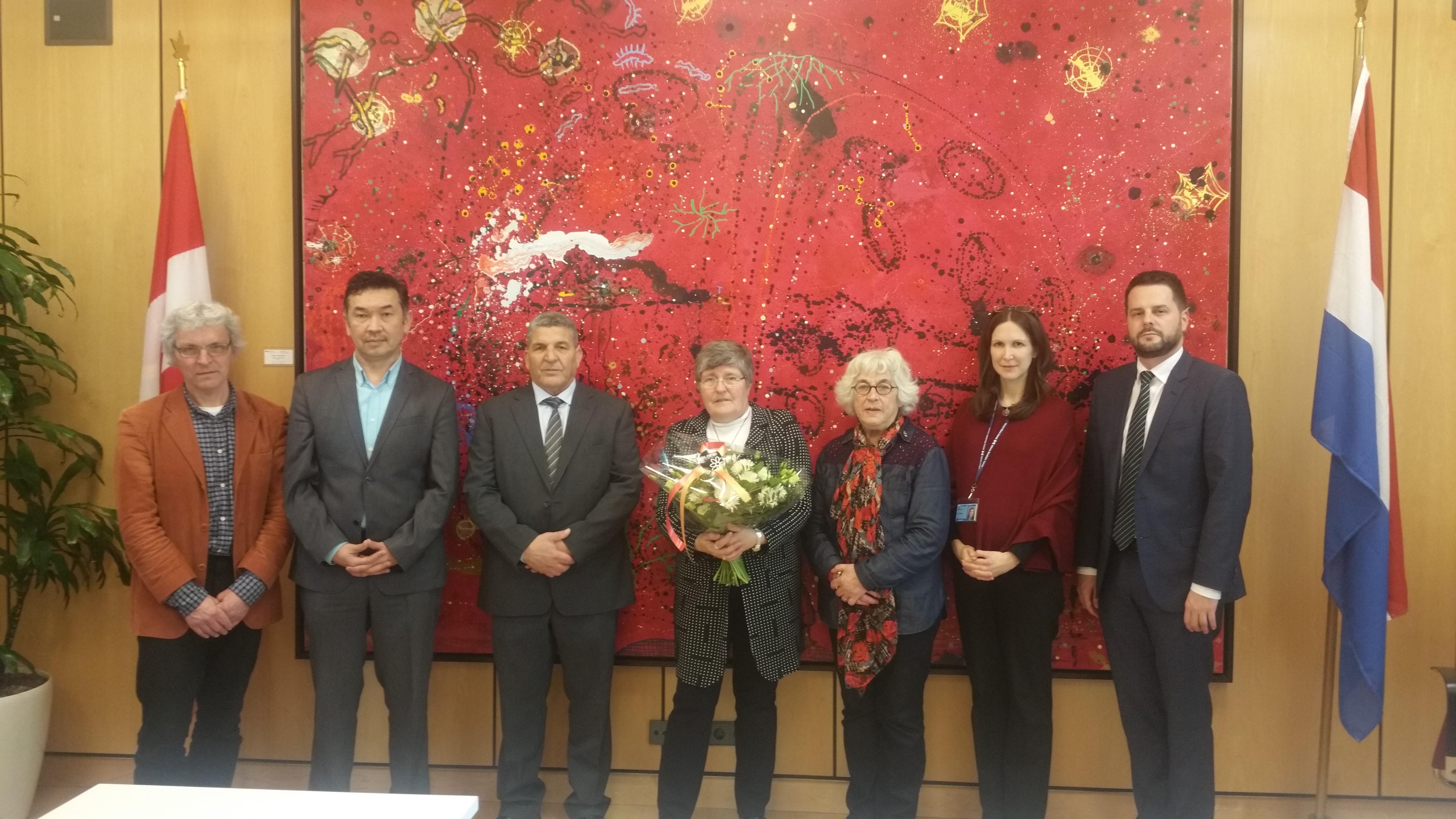 Bloemen OJCM voor Canadese ambassade